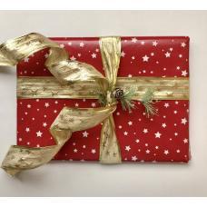 Подарочная новогодняя упаковка со звездами и золотой лентой. Размер средний 22*28 см фото