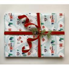 Подарочная новогодняя упаковка с домиками и красной лентой. Размер средний 22*28 фото