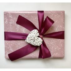 Подарочная упаковка для девочки. Размер средний 22х28 см фото