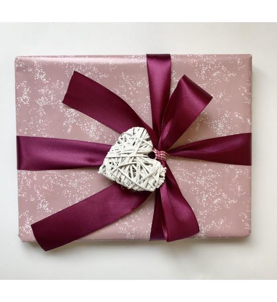Подарочная упаковка для девочки. Размер средний 22х28 см