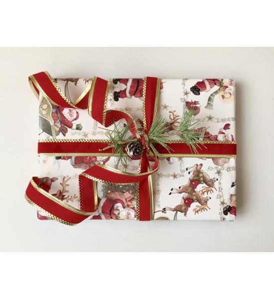 Подарочная упаковка с Дедом Морозом и красной лентой. Размер маленький 15*16 см